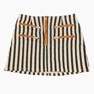 Trendy Urban Outfitters skirt